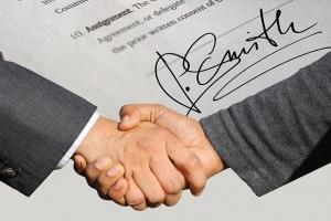 外国人インターンシップを採用する際に必要な契約書の注意点とは?